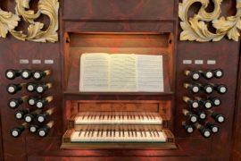 Matthias Grünert unterwegs in Büßleben an der Stertzing-Orgel in St. Petri